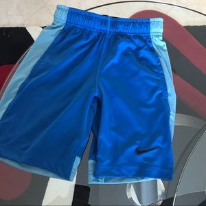 Nike dry fit shorts boys xs size 6